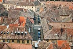 Дома с крыть черепицей черепицей крышами в Сербии Стоковое Изображение RF