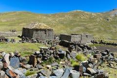 Дома фермы в горах Боливии Стоковые Фотографии RF