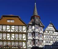 Дома Fahverk на рыночной площади (Marktplatz) Fritzlar Стоковые Изображения RF