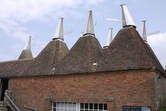 Дома Oast кирпич построил печи придают квадратную форму на Sissinghurst Кенте Великобритании Стоковая Фотография