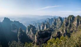 ` Дома Tianbo ` зазора Хунани Zhangjiajie национальное Forest Park Yangjiajie Longquan Стоковые Изображения