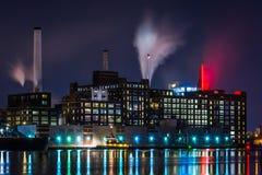 Домино засахаривает фабрику на ноче в Балтиморе, Мэриленде Стоковое фото RF
