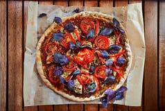 Домодельная пицца с грибами Стоковое фото RF