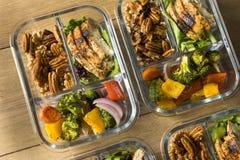 Домодельное приготовление уроков еды цыпленка Keto стоковое фото