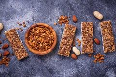 Домодельные бары granola с гайками Стоковые Изображения RF