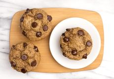 Домодельные булочки обломока шоколада Стоковое Фото