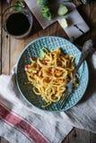 Домодельные макаронные изделия pici с brussel - ростками Стоковая Фотография RF