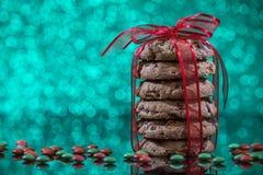 Домодельные печенья обломока шоколада рождества Стоковые Фото