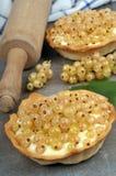Домодельные пироги с белыми смородинами стоковое изображение rf