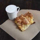 Домодельные пирог и молоко сыра Стоковая Фотография RF