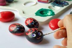 Домодельные покрашенные камни как ladybugs Стоковое Фото