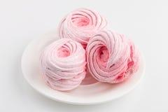 Домодельные розовые zephyr или зефир изолированные на белизне Стоковые Изображения RF