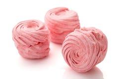 Домодельные розовые zephyr или зефир изолированные на белизне Стоковое Фото