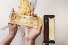 Домодельные сырые макаронные изделия Стоковое Изображение RF