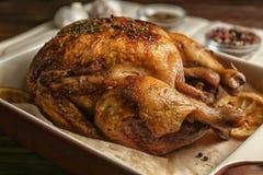 Домодельный испеченный цыпленок с лимоном стоковое изображение rf
