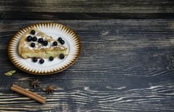 Домодельный органический десерт яблочного пирога готовый для еды стоковые изображения