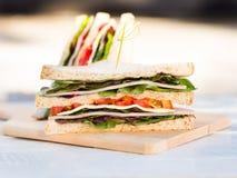 Домодельный сандвич сыра ветчины для завтрака Стоковые Фото