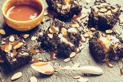 Домодельный темный шоколадный торт Стоковые Фотографии RF