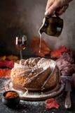 Домодельный торт bundt Стоковое фото RF