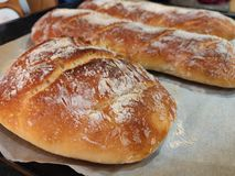 Домодельный хлеб багета стоковое изображение