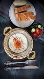 Домодельный хлеб в блюде стоковые изображения
