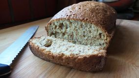 Домодельный хлеб гайки банана Стоковые Фотографии RF