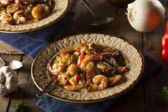 Домодельная бамия Cajun креветки и сосиски Стоковая Фотография RF