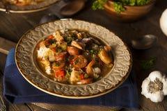 Домодельная бамия Cajun креветки и сосиски Стоковое Изображение RF