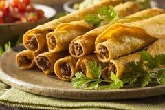 Домодельная мексиканская говядина Taquitos Стоковое Фото