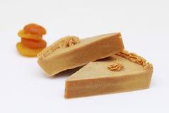 Домодельное естественное мыло абрикоса Стоковые Фотографии RF