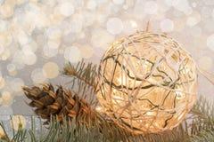 Домодельное украшение рождества с электрическими лампочками Стоковое Изображение