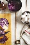 Домодельное украшение eggs естественный путь Естественно крася пасха Стоковые Изображения