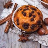 Домодельные булочки обломока шоколада пряные испекут для завтрака Стоковое фото RF