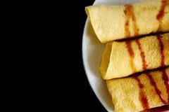 Домодельные блинчики сделанные от тапиоки flour, яичка и молоко кокоса Соотвествующий десерт для здорового питания Стоковое Фото