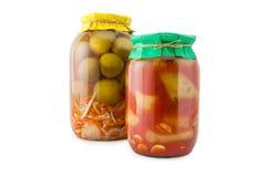 Домодельные замаринованные томаты и огурцы Стоковые Фото