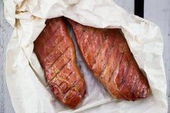 Домодельные копченые tenderloins свинины стоковое фото