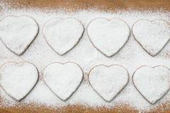 Домодельные печенья в форме сердец Стоковое Фото