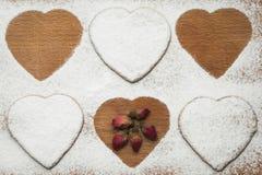 Домодельные печенья в форме сердец Стоковое Изображение RF