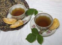 Домодельные печенья завтрака шоколада и цветки весны печенье домодельное Стоковое фото RF