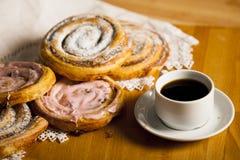 Домодельные печенья и кофе Стоковая Фотография