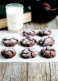 Домодельные печенья и молоко для завтрака Стоковые Фотографии RF