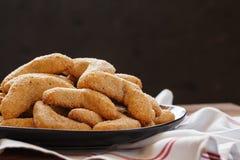Домодельные печенья на черноте Стоковое Изображение