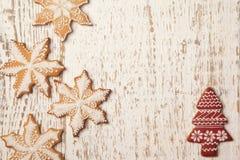 Домодельные печенья пряника рождества снежинок Стоковое Фото