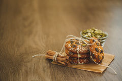 Домодельные печенья с семенами и шоколадом сезама Стоковая Фотография