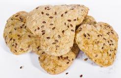 Домодельные печенья с семенем льна на белой предпосылке Стоковые Изображения RF