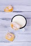 Домодельные плюшки заполненные с творогом Стоковая Фотография