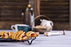 Домодельные плюшки с вареньем Стоковая Фотография