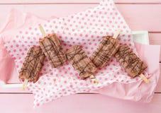 Домодельные popsicles шоколада Стоковые Изображения RF