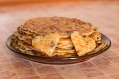 Домодельные waffles на плите завтрак романтичный Стоковые Изображения