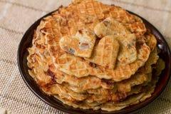 Домодельные waffles на плите завтрак романтичный Стоковые Фото
